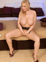 Sophie Mae - Big Tits, Natural Boobs