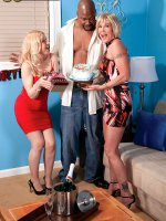 Robin Pachino, Honey Ray - Blowjob, Cumshot, Mature, Group Sex