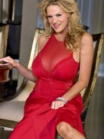 Busty MILF Kelly Madison