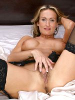 Hot Anilos MILF Jolie showing hairy pussy