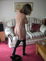 British amateur milf in fuck me boots