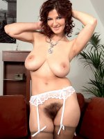 Vanessa Y. - Big Tits