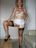 Busty amateur MILF Michelle posing