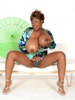 Mianna Thomas - Big Tits