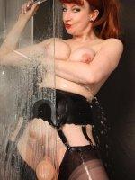 Red XXX - Shower